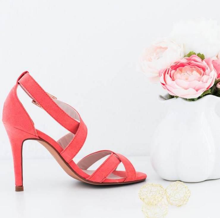 chaussures roses  à talons haut